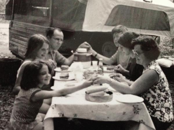 Jane Olsen family picnic image-1